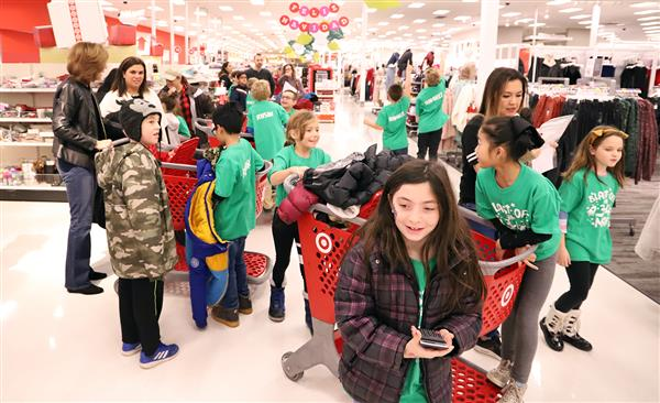 FSD79 students purchased holiday gifts for 30 less-fortunate children